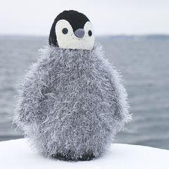 Neuleohje neulottu ja virkattu lasten pehmolelu pingviini