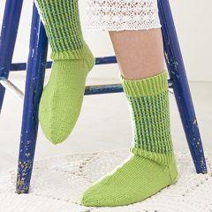 Ohje: Neulotut Pilkahdus-sukat