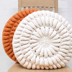 Free pattern knitted woolen cushion covers