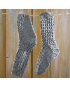 Ohje: Neulotut verkkosukat